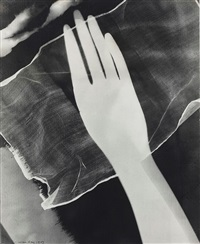 man-ray-photogram-of-hand